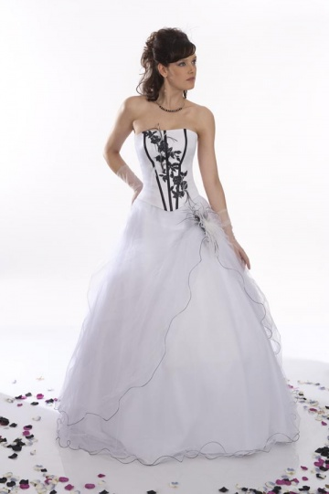 Robe de mariee blanche et noire